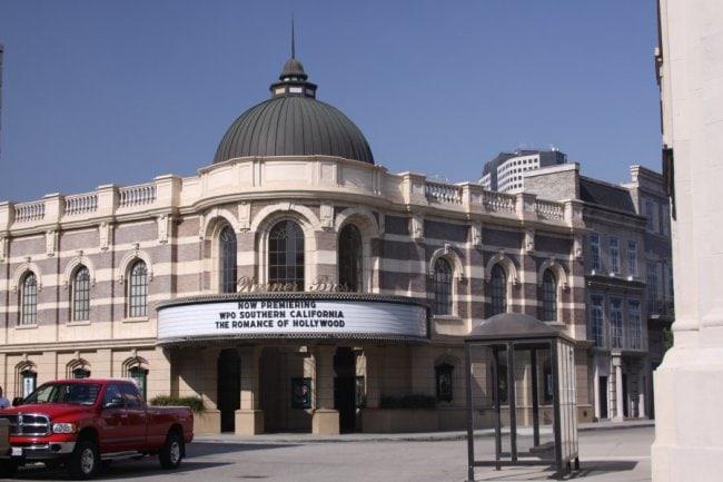 Warner-Brothers-Theatre