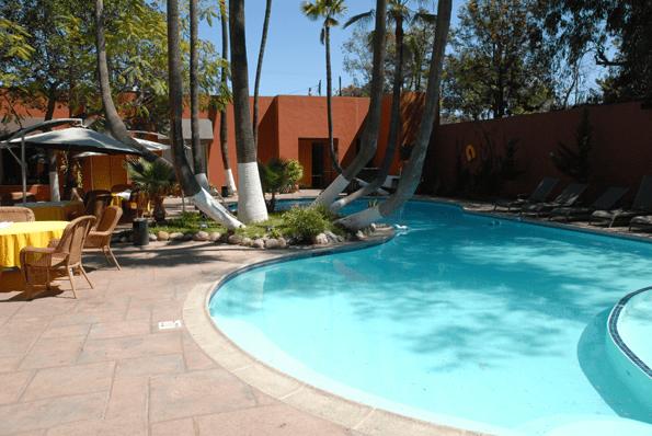 Palacio Azteca pool.