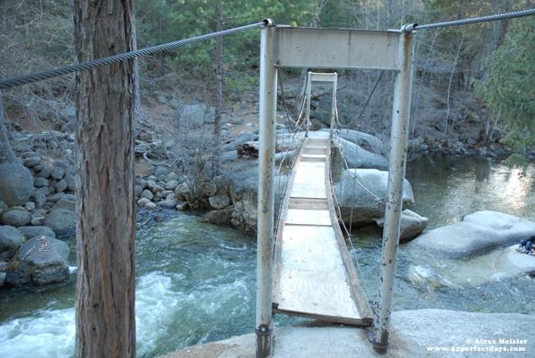 swinging-bridge-wawona-yosemite