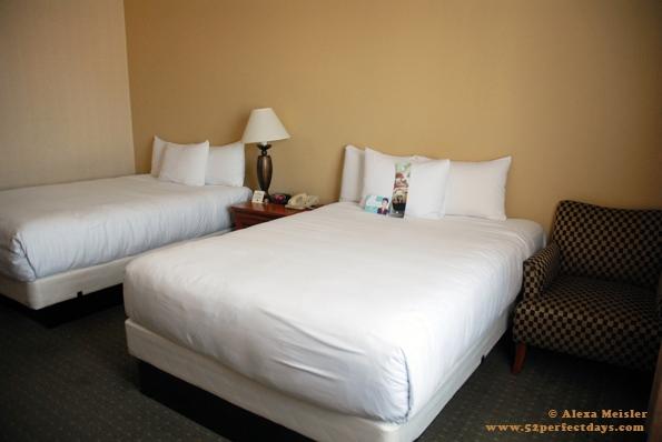 Concourse-LAX-Hotel-old-room-design