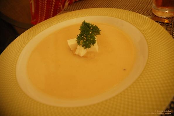 Poblano crema soup with asparagus at Villa Del Palmar, Loreto