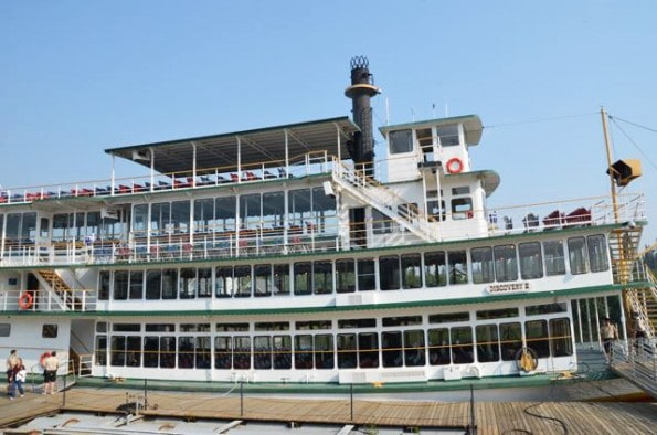 Sternwheel Riverboat, the Discovery III